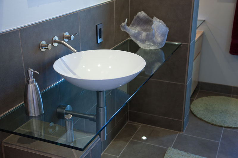 Bathroom-glass-basin-vanity