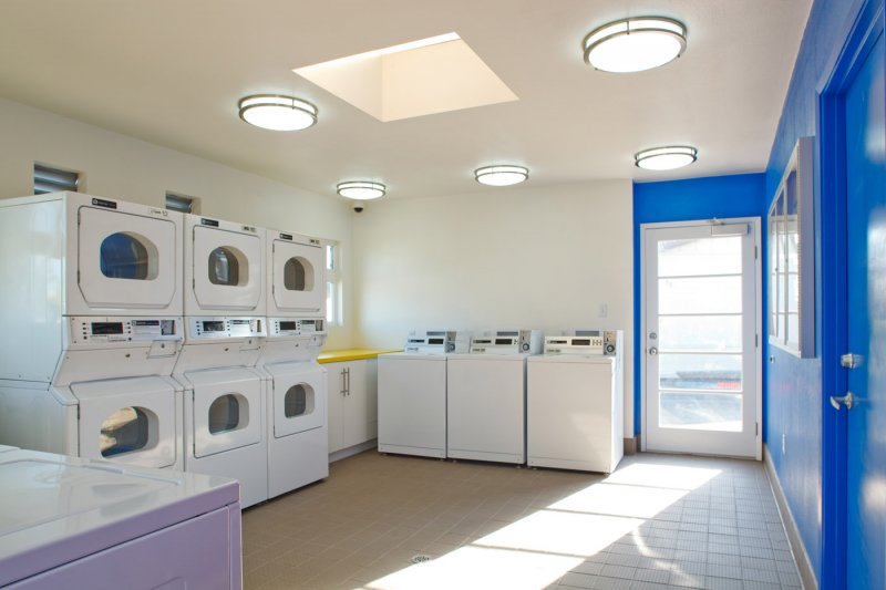 tenant-improvement-laundry-room-blue